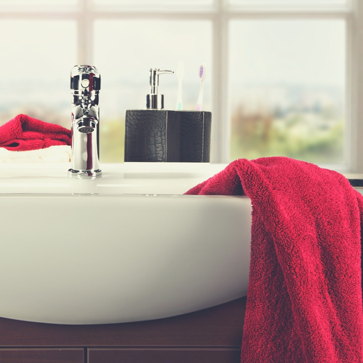 10 Frugal Tips For The Bathroom