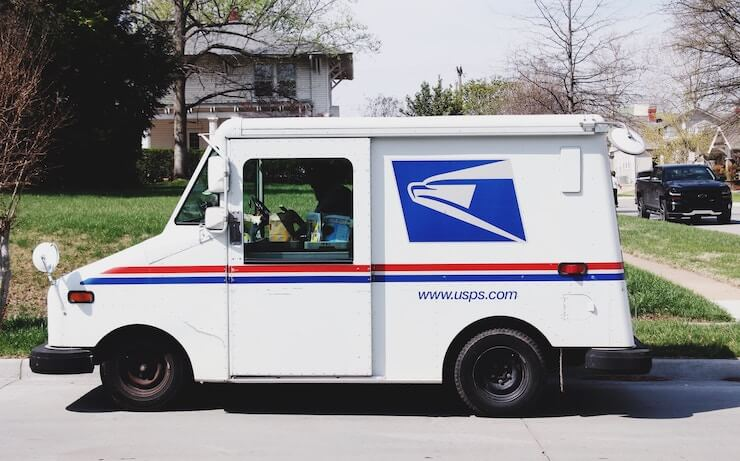 USPS Hours: Including Saturday, Sunday and Holidays