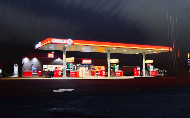 18 Gas Stations that Cash Checks